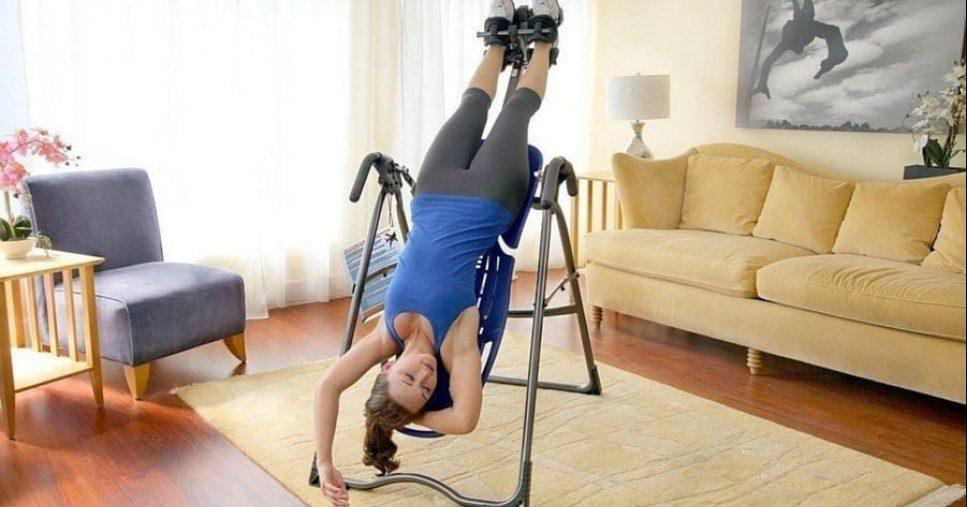 Инверсионный стол: преимущества и недостатки домашнего тренажера>